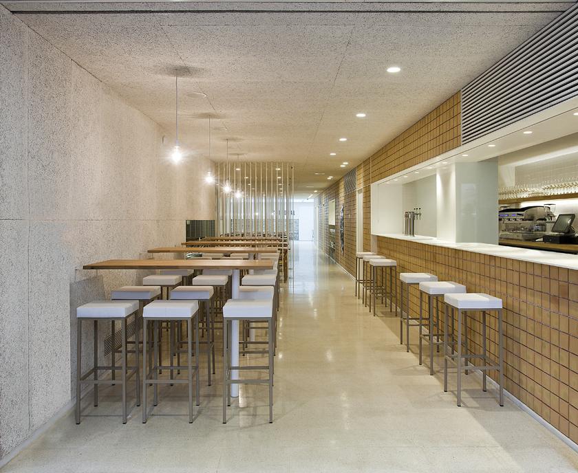 Restaurante catedral blur arquitectura for Restaurante arquitectura